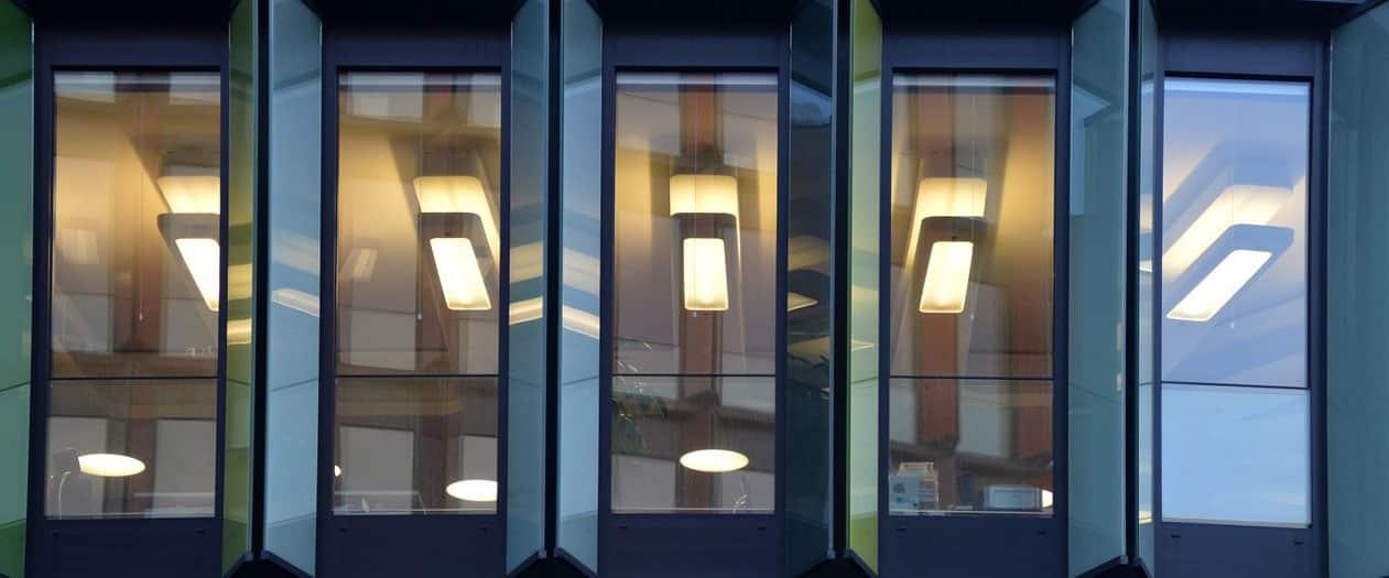 Top Lighting Companies Features
